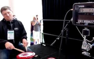 Tom Grosset - Batteur le plus rapide du monde avec 1208 coups en 1 minute